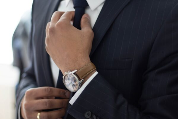 Jakie regulacje prawne warto uwzględnić przy planowaniu inwestycji